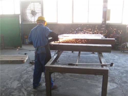 Tovární pohled3